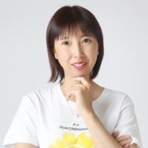 Lili Huang headshot